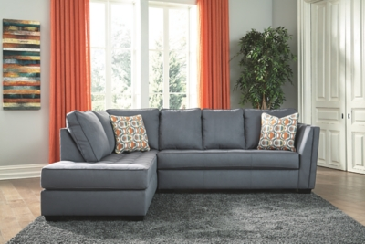 Finote 2-Piece Sectional with Chaise