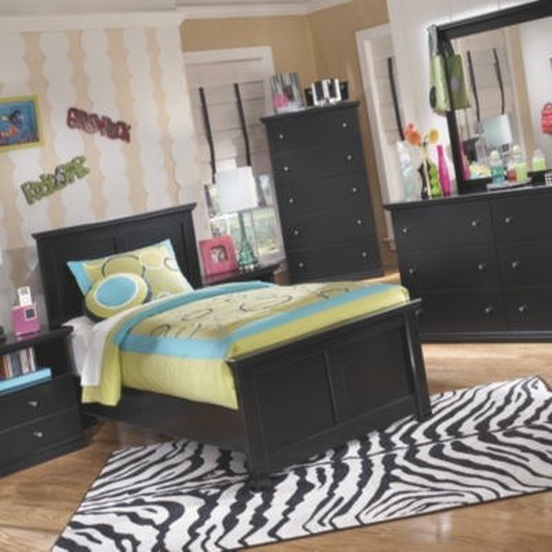 Madera Twin Panel Bed